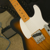 640px-Fender_Esquire